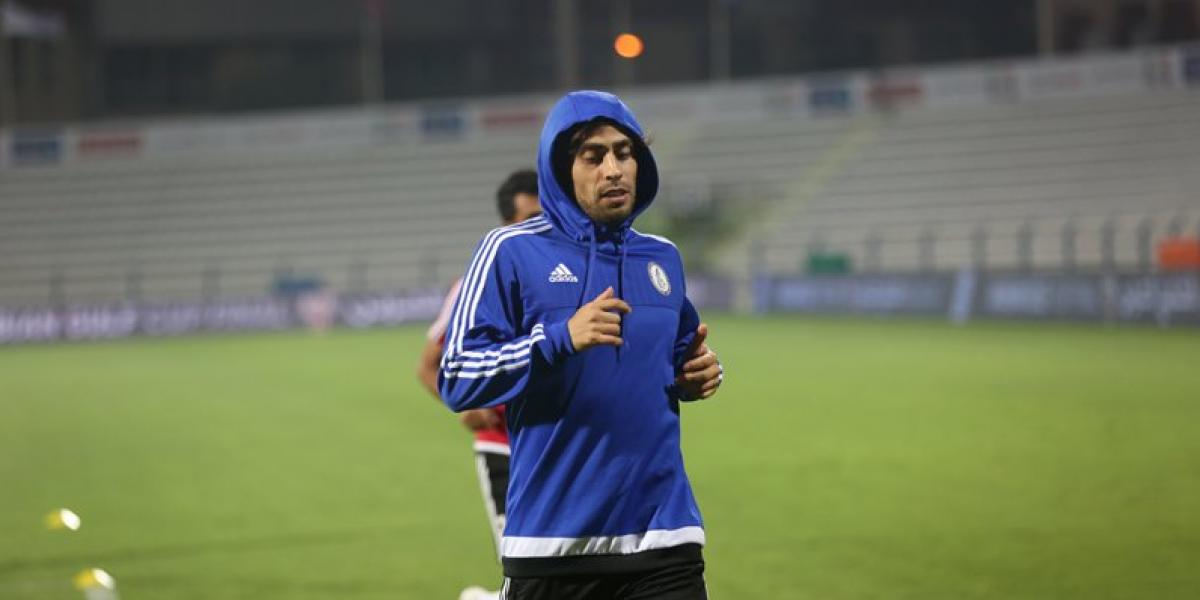 Jorge Valdivia se alza como campeón en Emiratos y fue expulsado por golpe a Carlos Villanueva