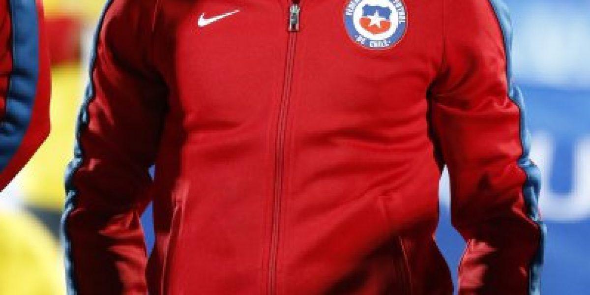 Marcelo Díaz celebró desde España el debut de Charles Aránguiz en la Bundesliga