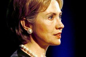 2000. Para el nuevo milenio Clinton permitió cambiar el tono de su pelo. Foto:Getty Images. Imagen Por: