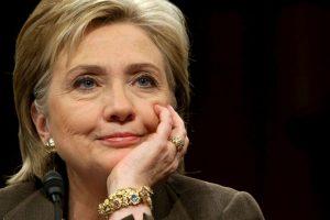2009. Se volvió Secretaria de Estado y aún así prefirio el mismo peinado. Foto:Hillary Clinton y sus cambios de look a través del tiempo. Imagen Por: