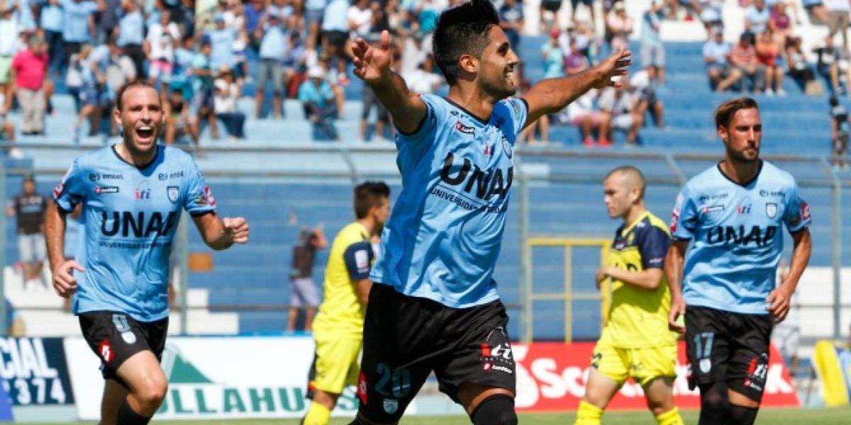 Iquique derrotó al Campanil y le pone presión a la U en la lucha por el descenso