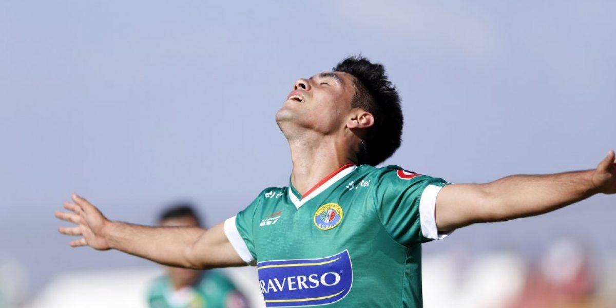 Ya iniciaron las negociaciones: Felipe Mora podría ser el salvador de Sebastián Beccacece