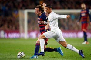Las mejores imágenes del primer tiempo entre Barcelona y Real Madrid Foto:AP. Imagen Por: