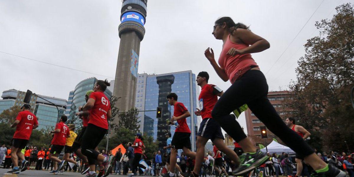 Una verdadera fiesta: Las mejores imágenes del Maratón Santiago 2016