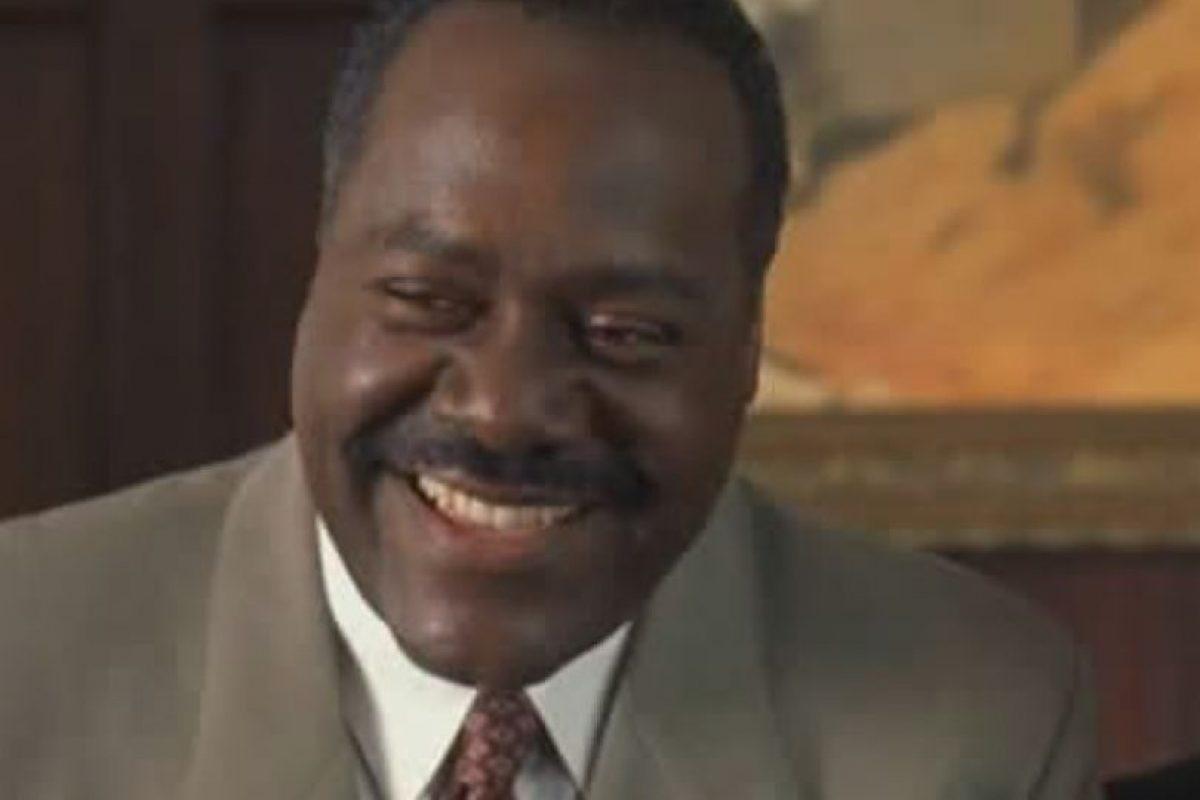 """Frankie Faison era el jefe de Kevin y Marcus, """"Elliott Gordon"""". Foto:Wayans Bros. Production. Imagen Por:"""