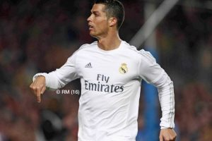 """Calma, calma, yo estoy aquí"" volvió a decir Cristiano Ronaldo. Foto:Vía facebook.com/RealMadrid. Imagen Por:"
