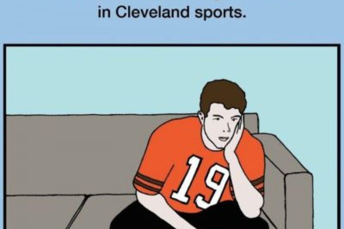 """""""¿Por qué papá está triste el domingo? Recopilación de los momentos más decepcionantes del deporte en Cleveland"""". Las ediciones latinas serían un """"hit"""", eso es seguro. Foto:vía Amazon. Imagen Por:"""