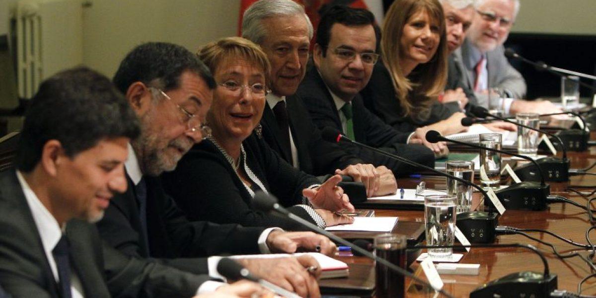 Bachelet encabeza consejo de gabinete en La Moneda