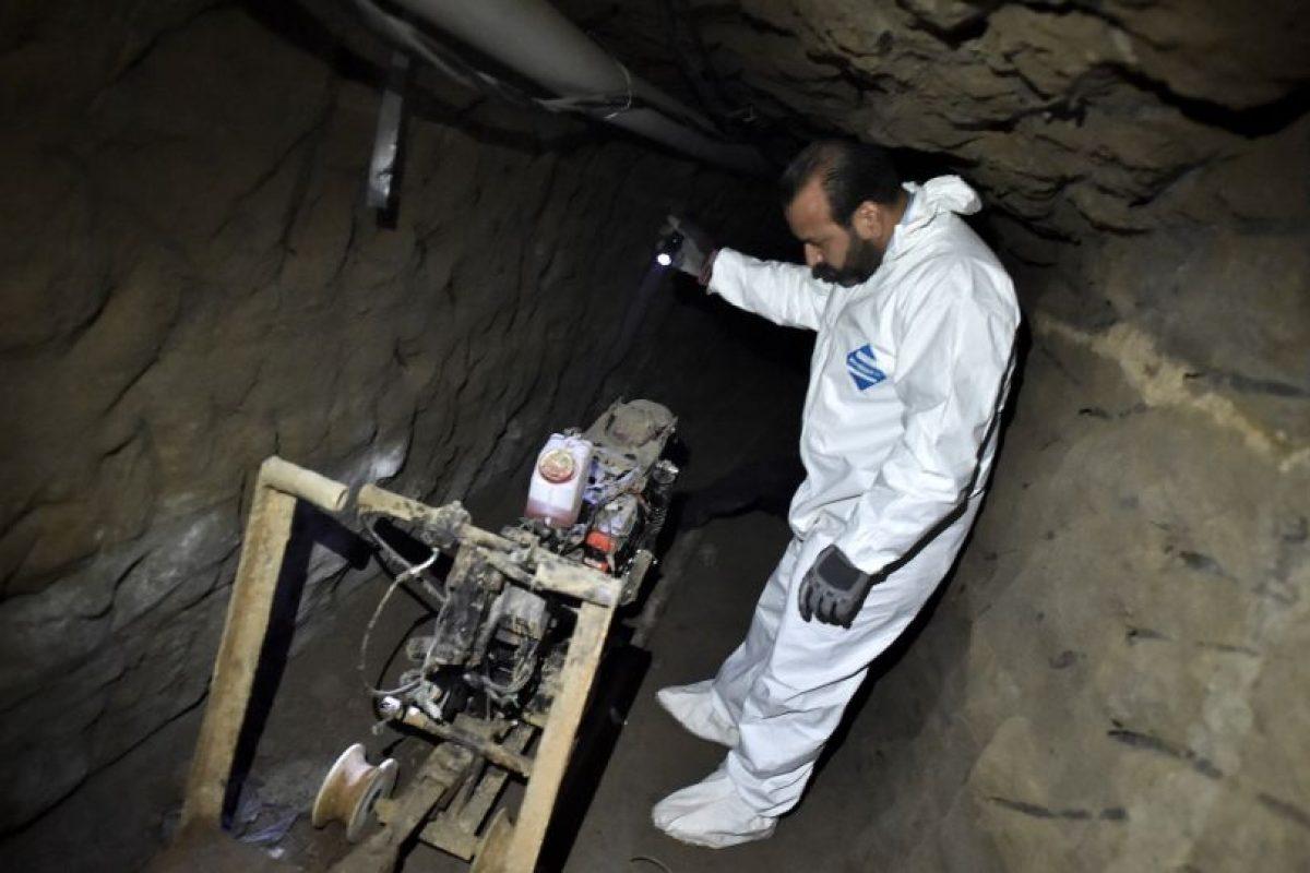 """Una motocicleta montada en un riel al interior del túnel usó """"El Chapo"""" para escapar. Foto:AFP. Imagen Por:"""