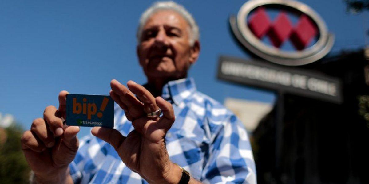 Lanzan nueva campaña para lograr tarifa rebajada para adultos mayores en el transporte público