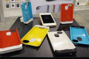 También hay carcazas especiales que recargan su iPhone. Foto:Getty Images. Imagen Por: