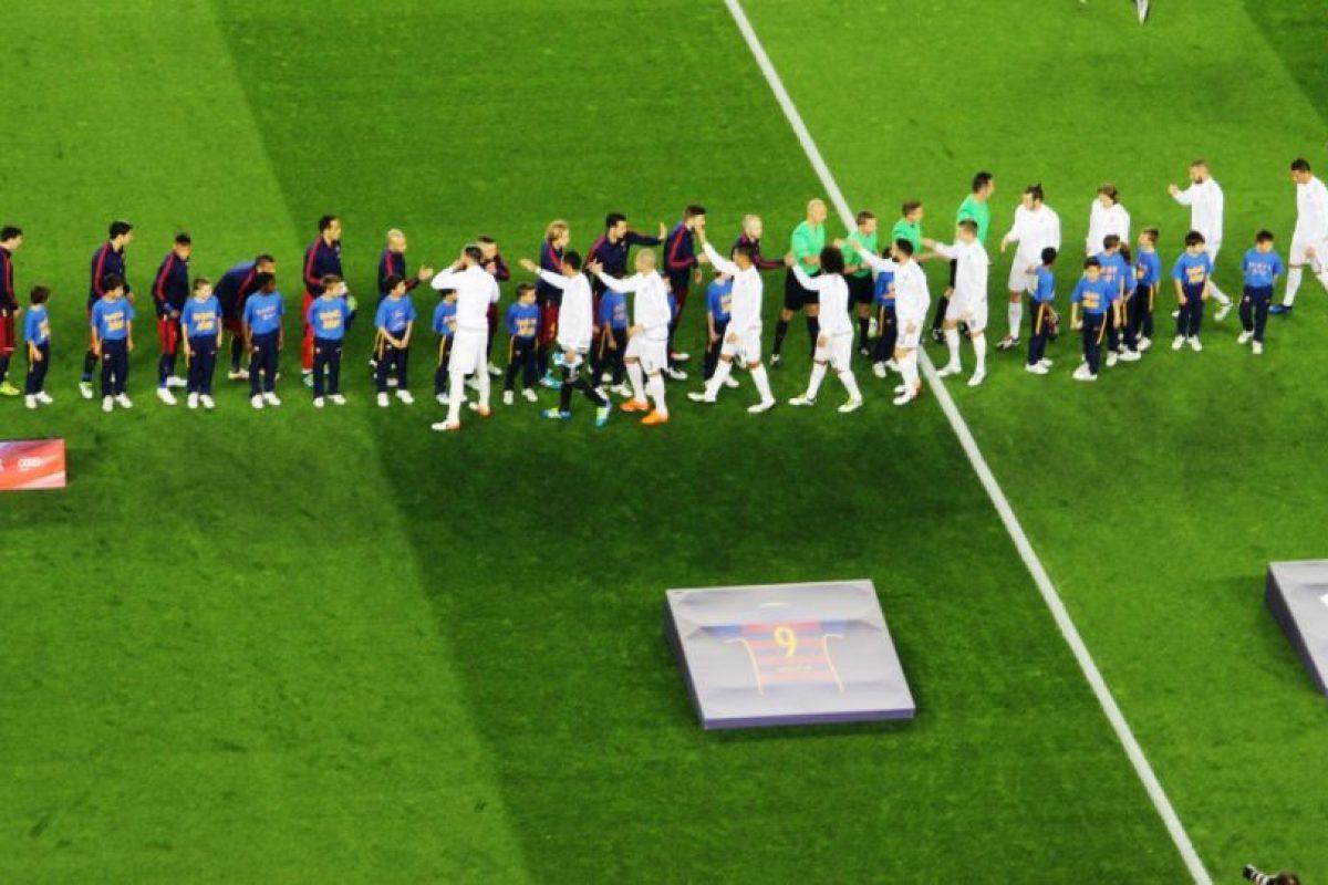Para presenciar el duelo entre Barcelona y Real Madrid de la Liga BBVA. Foto:Hilario Alcayaga. Imagen Por: