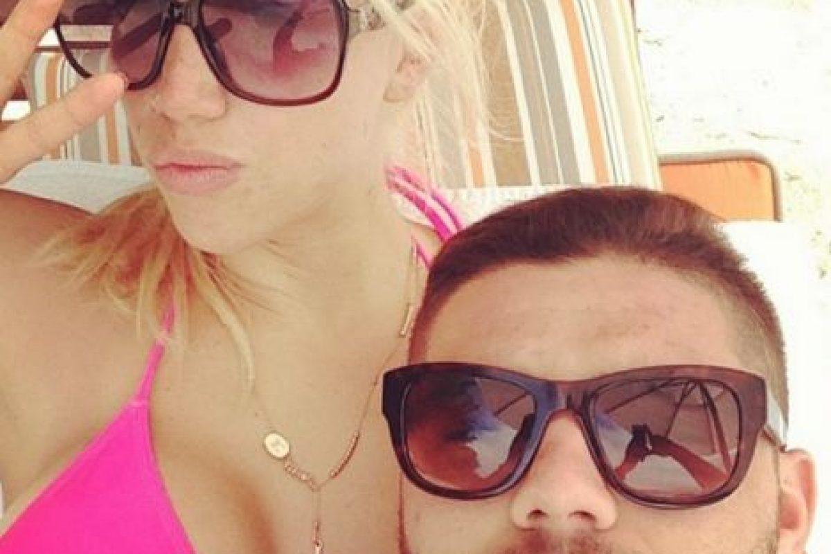 Poco después, un par de tuits del delantero demostraron que su relación inició cuando ella aún era esposa de su amigo. Foto:Vía instagram.com/mauroicardi. Imagen Por: