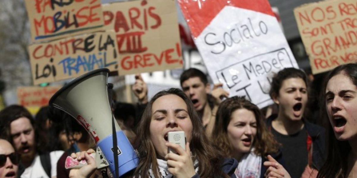 El movimiento de los indignados en Francia se hace fuerte en París