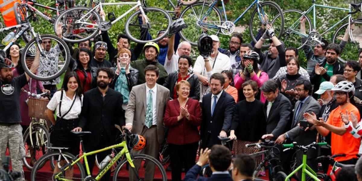 Presidenta Bachelet recibe conclusiones del Foro Mundial de la Bicicleta