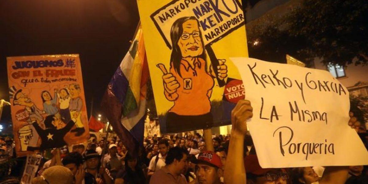 Multitudinaria marcha contra la candidatura de Keiko Fujimori en Perú