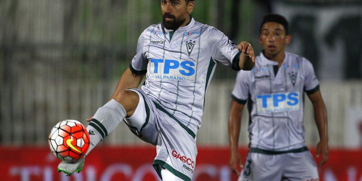 Y llegó el día: David Pizarro reapareció jugando por Santiago Wanderers