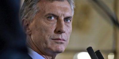 Fiscalía argentina investiga a Macri por firmas
