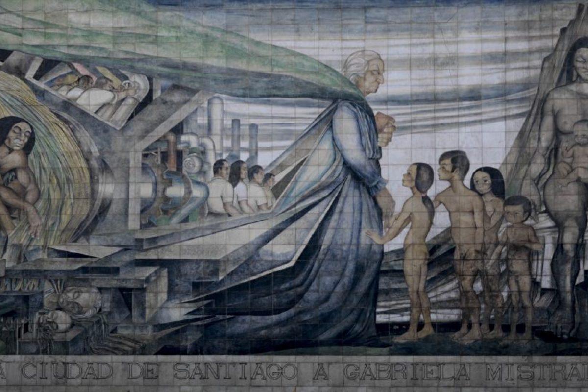 Mural en homenaje a Gabriela Mistral de Fernando Daza Osorio. Foto:Agencia Uno. Imagen Por: