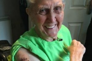 Jack Reynolds el hombre más viejo con un tatuaje Foto:Vía guinnessworldrecords.com. Imagen Por: