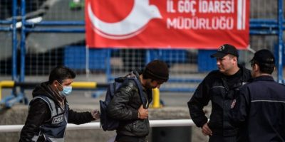 Grecia retoma devoluciones a Turquía por barco y devuelve a 140 migrantes