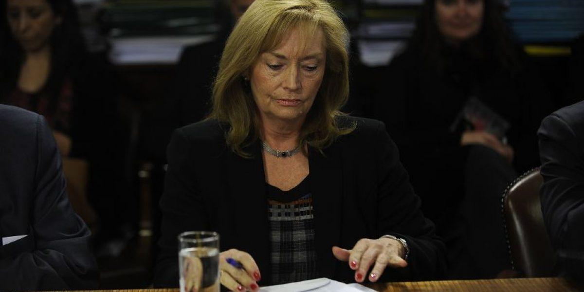 Senadores PS cuestionan permanencia de Vivianne Blanlot en Consejo para la Transparencia