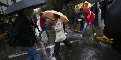 Declaran alerta temprana preventiva en la R. Metropolitana por tormentas eléctricas y chubascos