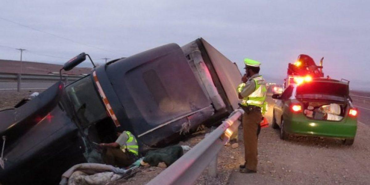 Un muerto en accidente de camiones en Ruta 5 Norte