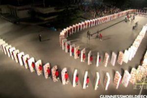 Pero algunos no les importa con tal de hacer historia. Foto:Youtube/ Guinness World Records. Imagen Por:
