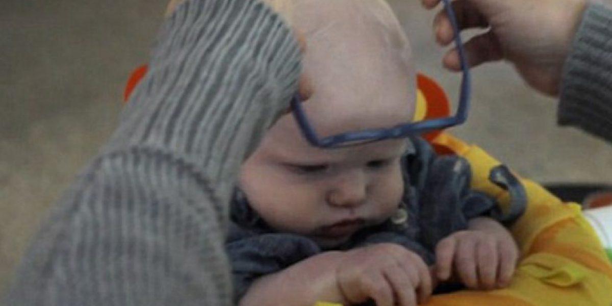 Bebé ve por primera vez a su madre y así fue su reacción