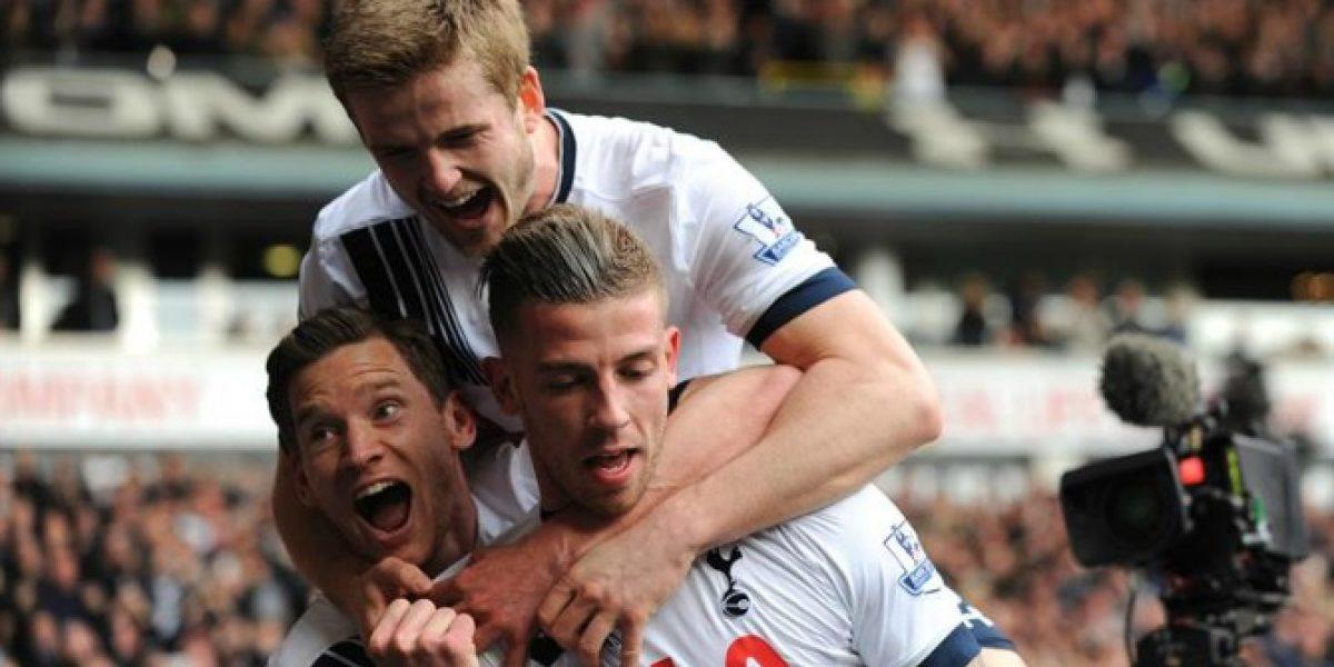 Tottenham liquidó en seis minutos a Manchester United y sigue soñando con el título