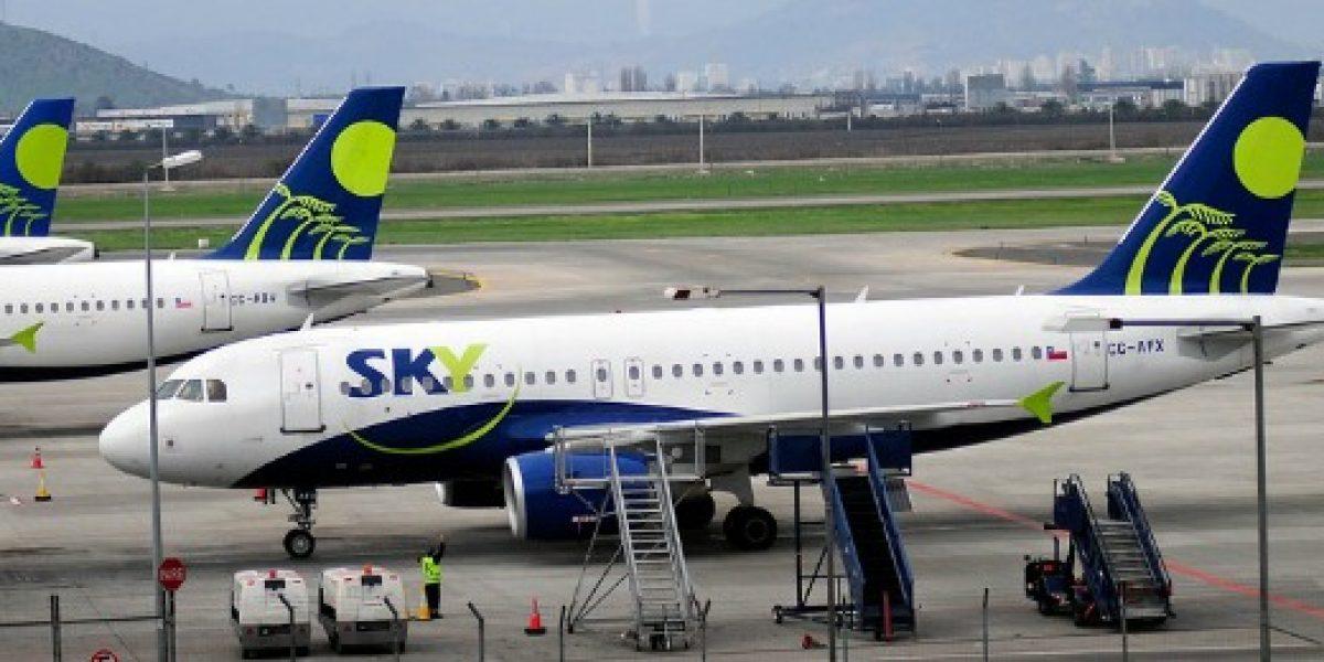 SKY llega a acuerdo con trabajadores y vuelos vuelven a operar este martes