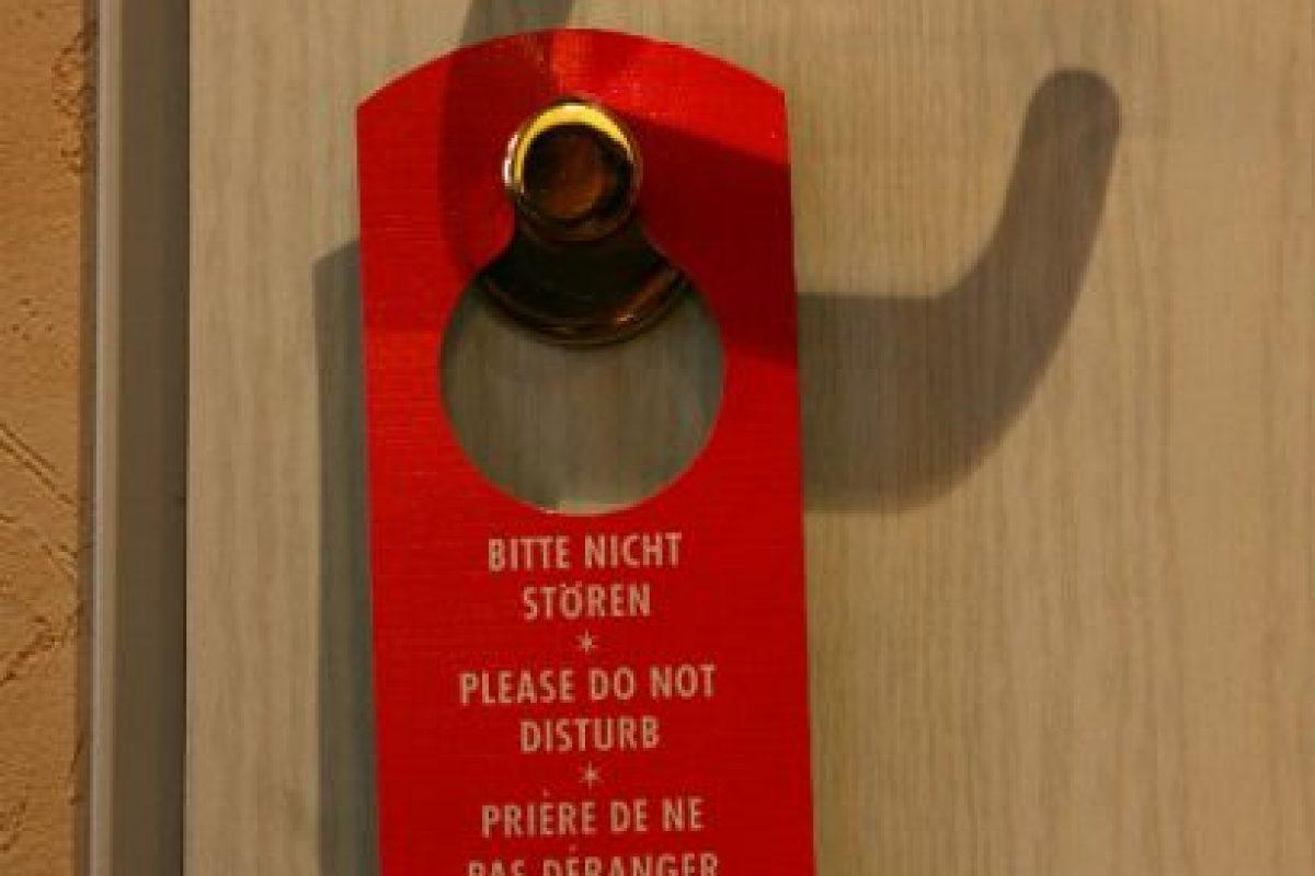 """""""Encontré un condón usado a un lado de la cama durante una estancia prolongada en un hotel de Florida. Asqueroso"""" Foto:Getty Images. Imagen Por:"""