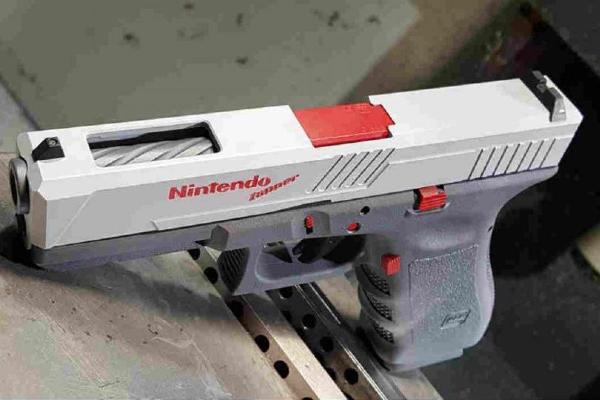 Sí, esta pistola dispara balas reales. Foto:Facebook/Precision Syndicate, LLC. Imagen Por: