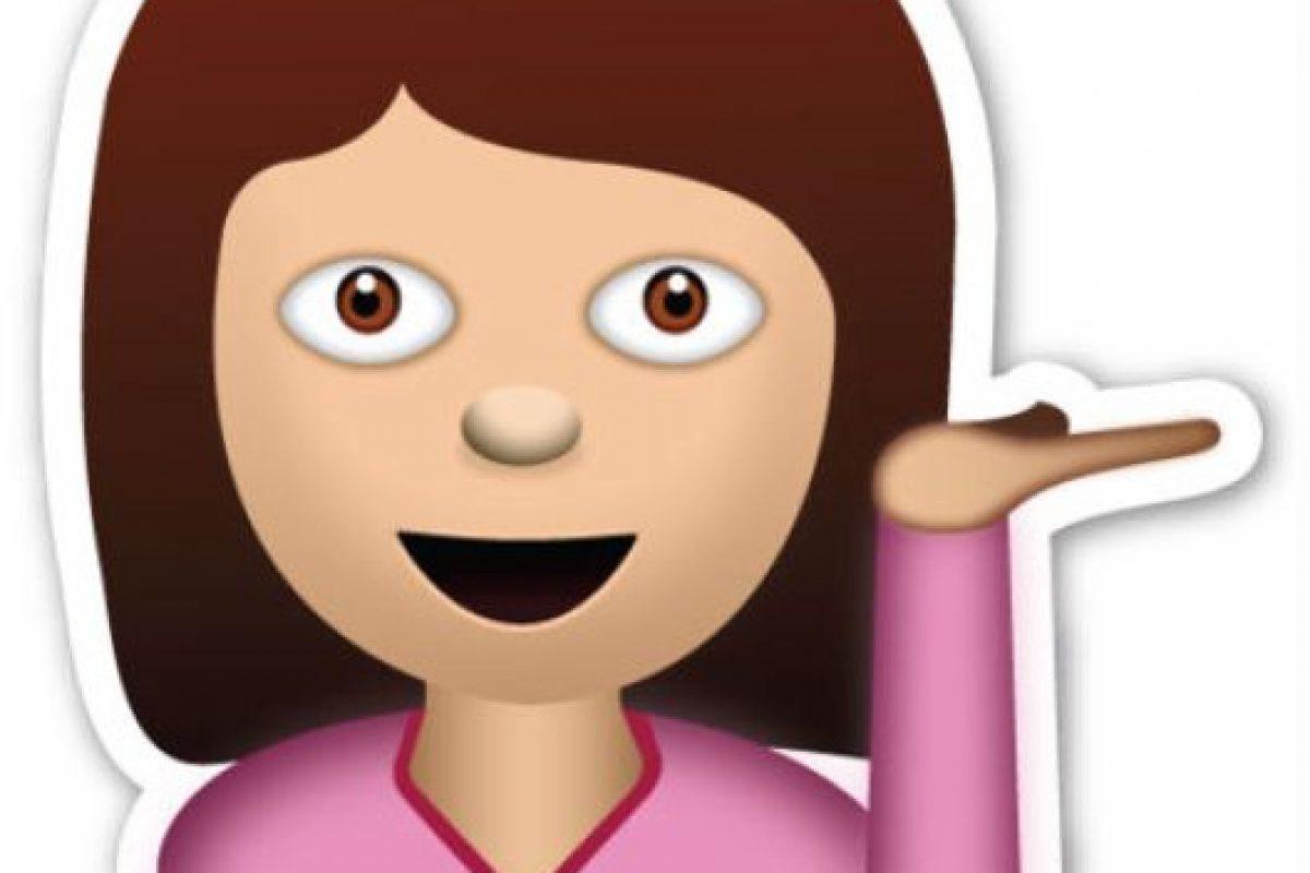 Se dice que este emoji es el que sigue a la chica cortándose el cabello. Foto:Tumblr. Imagen Por: