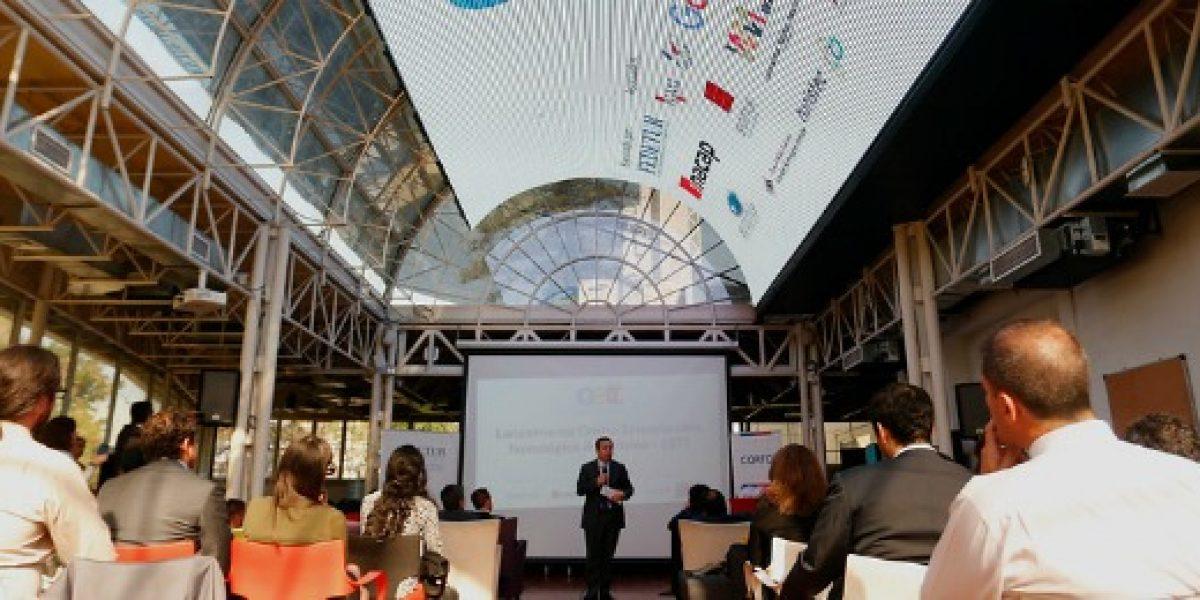Lanzan centro que apoya a pymes turísticas para que sumen la tecnología a sus servicios