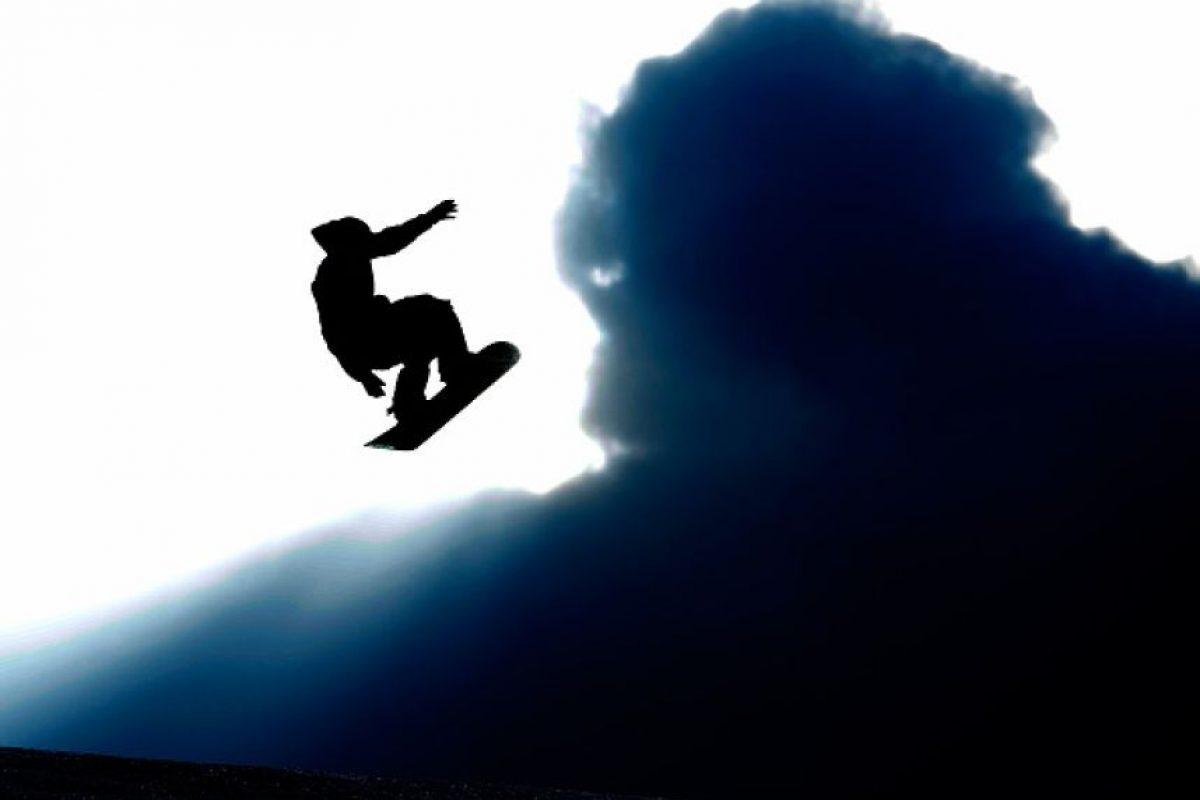 Existen varias modalidades para la práctica de snowboard dependiendo de diversos factores como el lugar donde se practique o el equipo usado. Foto:Getty Images. Imagen Por: