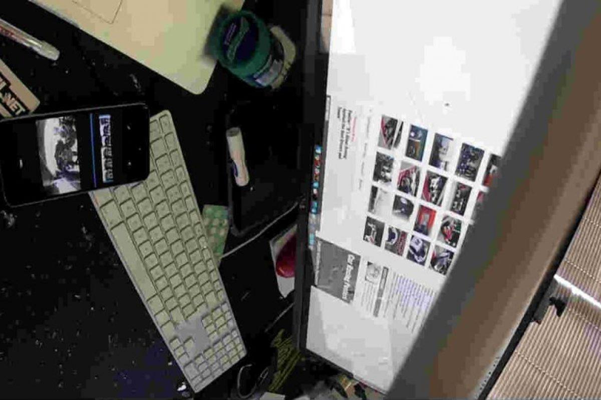 Y fue a dar directo a una firma de diseño, golpeando a Perel. Foto:David Perel. Imagen Por: