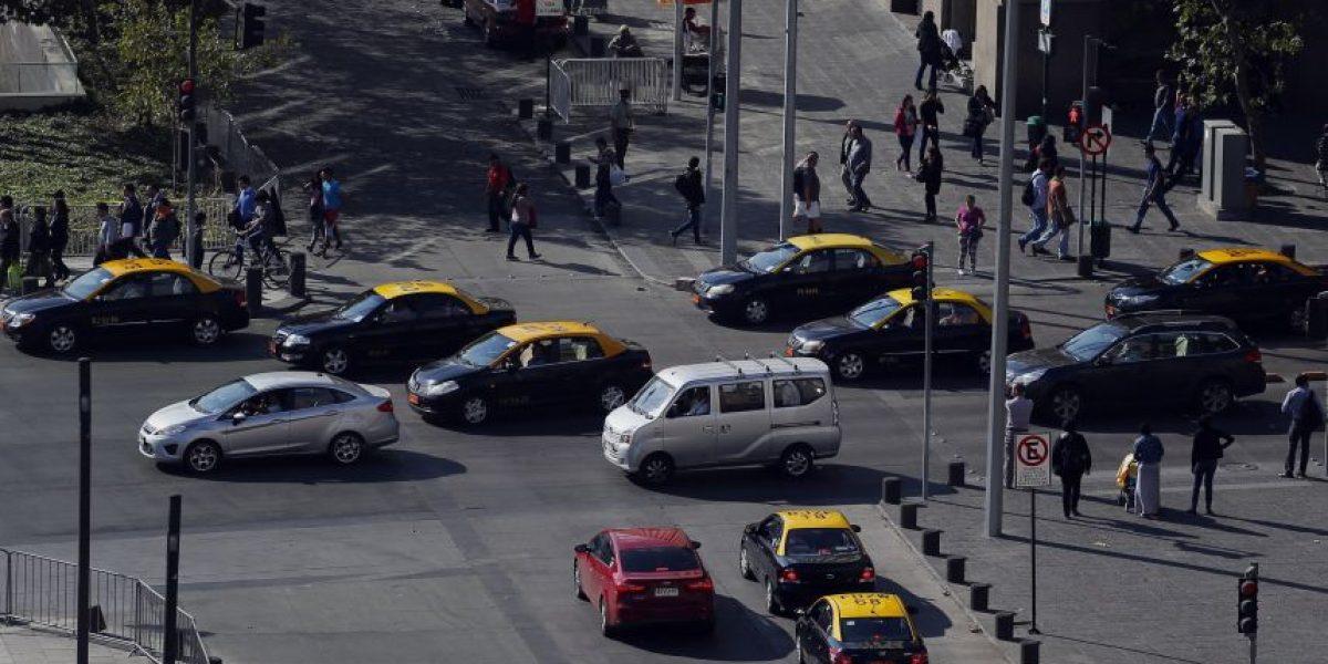 Senado: Comisión de Transporte citará a representantes de Uber y Cabify