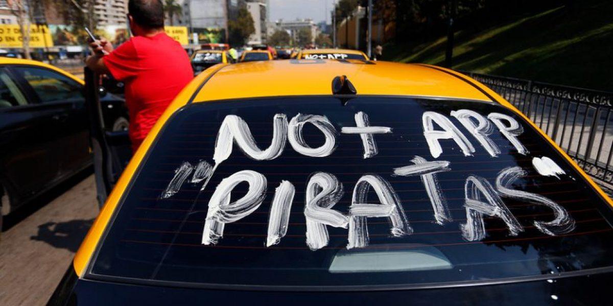 Justicia rechaza recurso de protección de taxistas contra Ministerio de Transportes por Uber