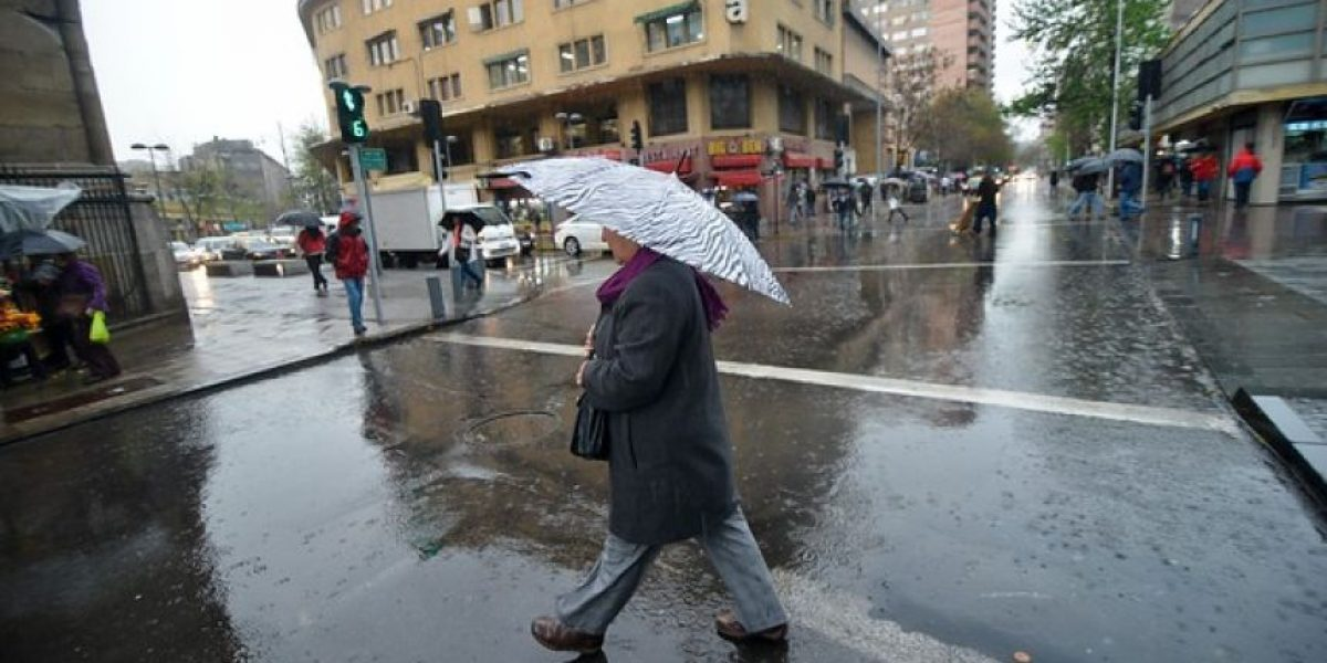 Sistema frontal traerá fuertes marejadas y más de 40 milímetros de lluvia en la zona centro sur