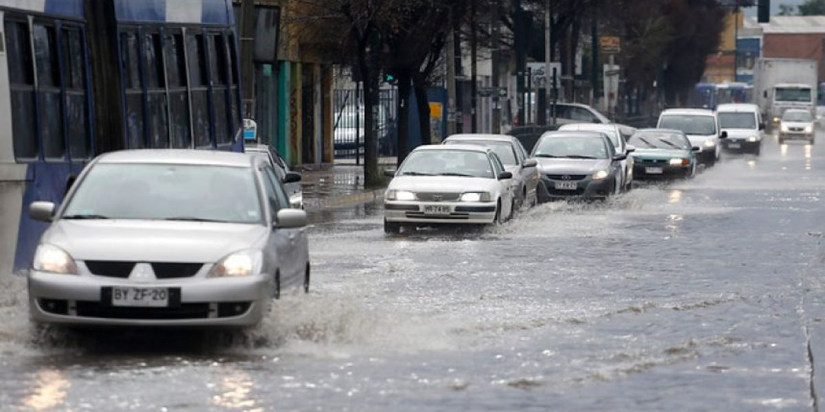 Sistema frontal: estos son los puntos críticos de inundaciones en Santiago