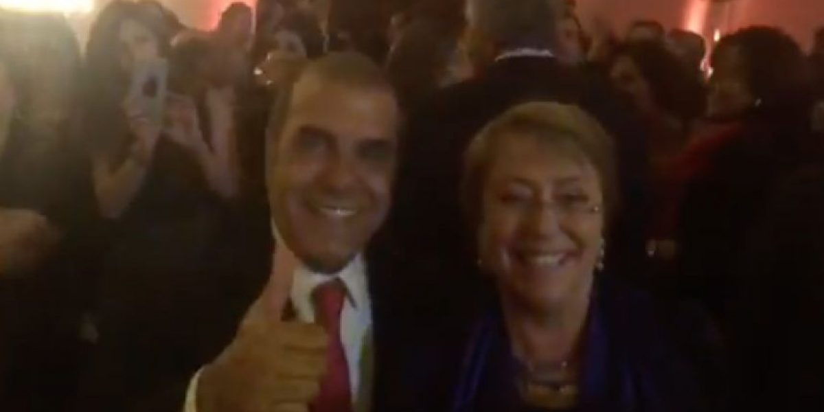 El entretenido baile que protagonizaron Checho Hirane y la Presidenta Bachelet