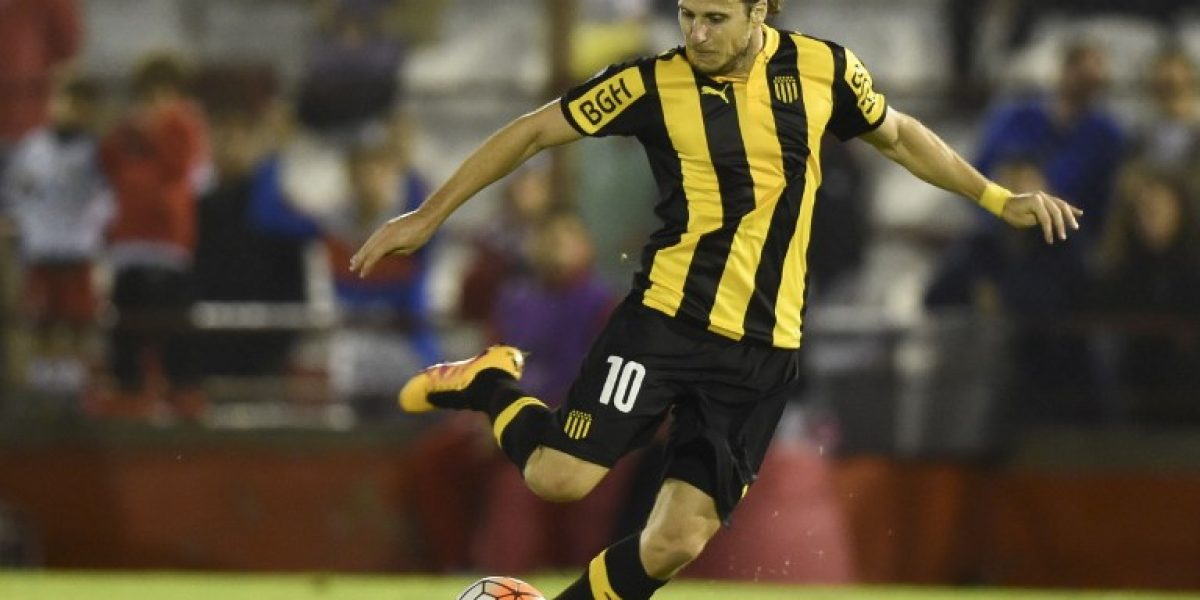 En polémico final: Peñarol quedó eliminado de la Copa al empatar con Huracán