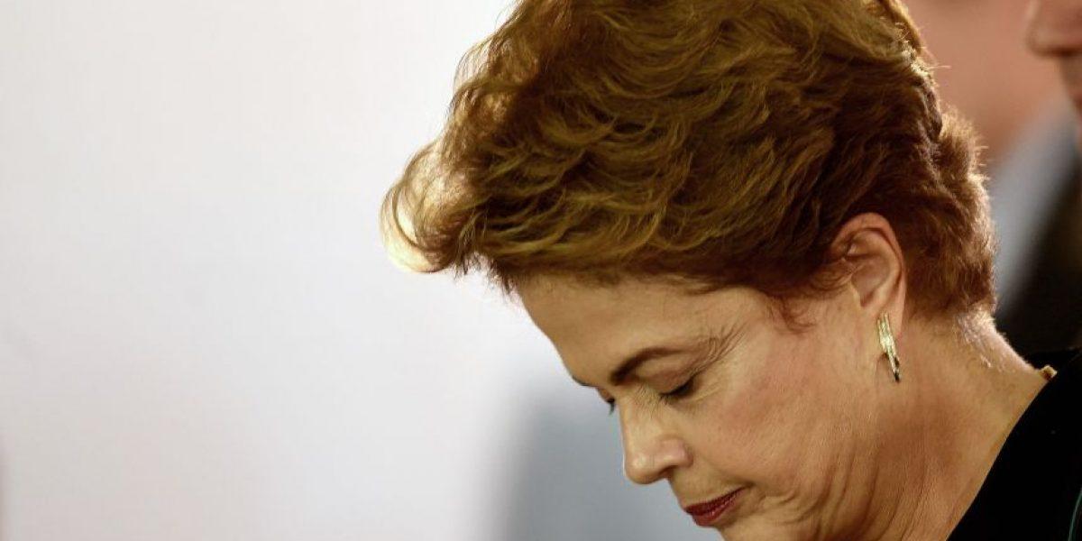 Rousseff acusa de