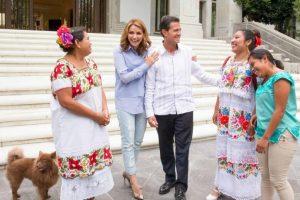 El presidente de México, Enrique Peña Nieto, también tiene mascotas en la residencia oficial de Los Pinos Foto:Getty Images. Imagen Por: