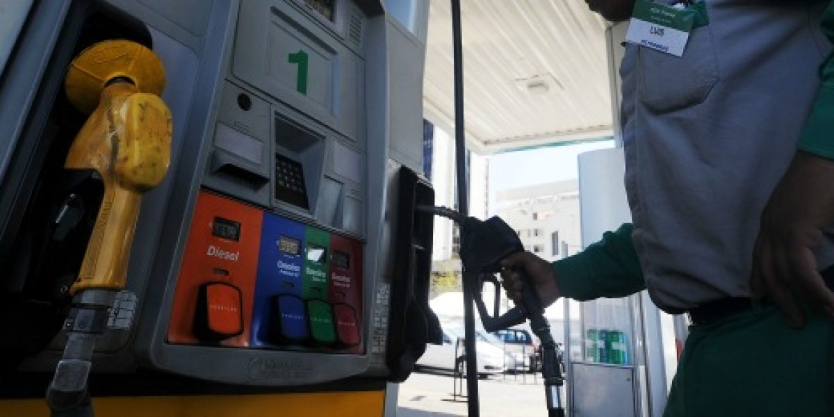 Precio de bencinas registra nueva alza este jueves
