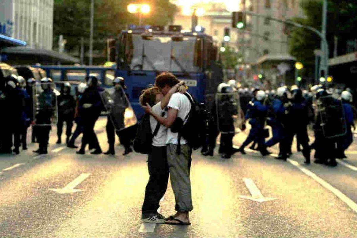 También se cree que el beso surgió como un reto a las costumbres de cortejo. Foto:Getty Images. Imagen Por: