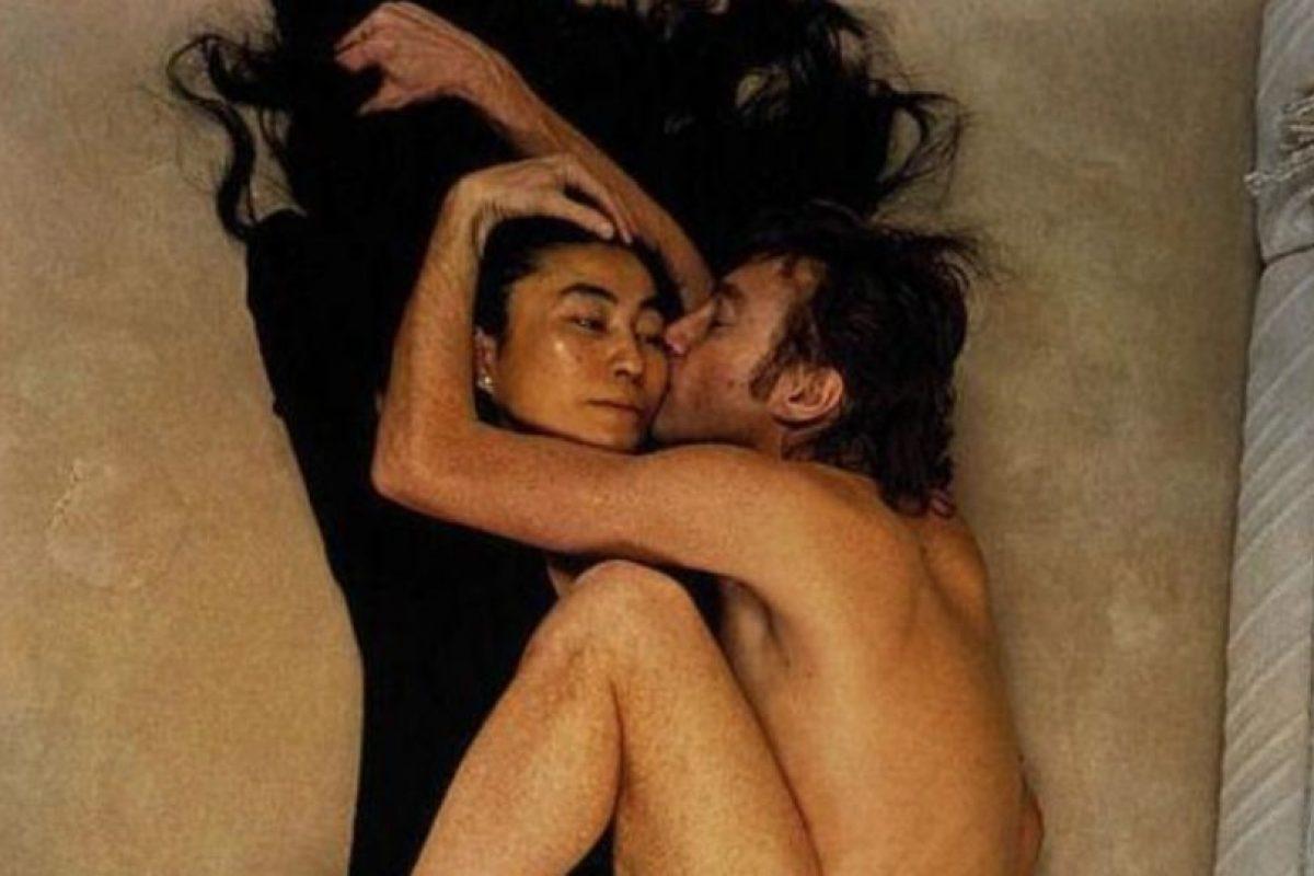 Yoko Ono y John Lennon Foto:Tumblr. Imagen Por: