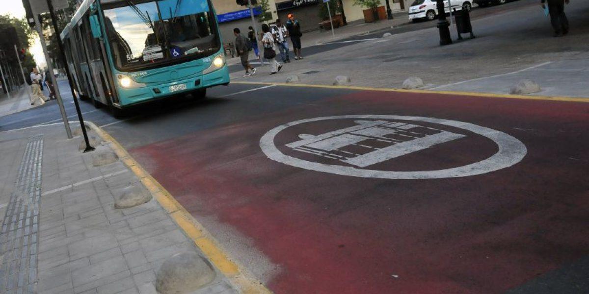 Próximo lunes comienza aplicación de multas a conductores que no respeten pistas exclusivas para buses